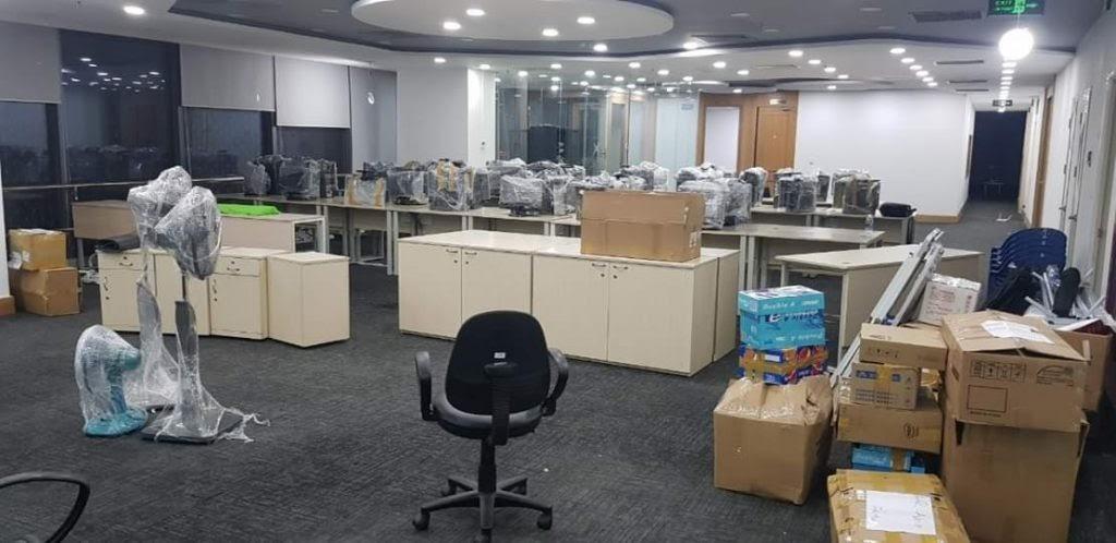 Đồ đạc văn phòng được đóng gói cẩn thận, vận chuyển nhanh chóng